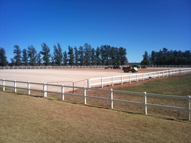 Equestrian Sand Arena & Paddocks Construction – Pela Graca Friesian Stud Farm: Douglas, Northern Cape, South Africa